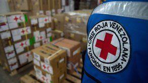 Cruz Roja distribuye ayuda humanitaria a centenares de pacientes en Caracas