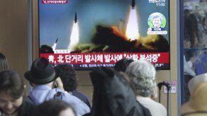 Corea del Norte dispara dos cohetes