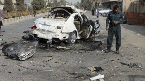 Funcionario: una bomba mata a un periodista en Afganistán