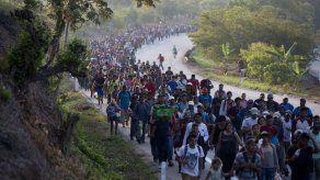 México: Falta de ayuda frustra a migrantes de nueva caravana