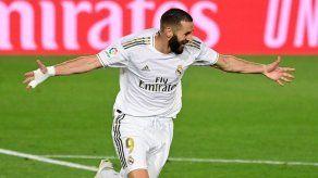 Benzema reduce su desventaja con Messi en goleadores de LaLiga