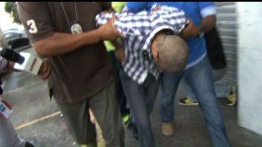 Capturan a sujeto con arma tipo glock en los predios de la Fiscalía Auxiliar