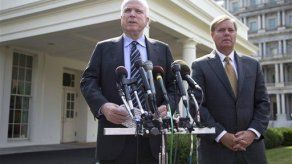McCain critica a Putin en editorial para Pravda