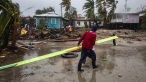 Iota se degrada a depresión tropical en El Salvador