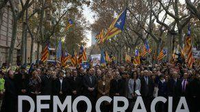 Secesionistas catalanes protestan contra proceso judicial