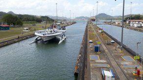 Bote que utiliza energía solar para su propulsión realizó tránsito por el Canal
