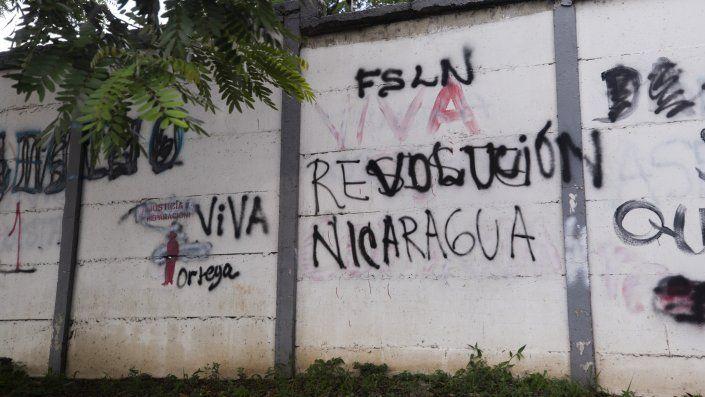 HRW entrevistó por teléfono a 53 personas en Nicaragua, incluyendo 46 activistas, abogados, periodistas, defensores de derechos humanos y opositores que fueron víctimas de hostigamiento o detenciones arbitrarias.
