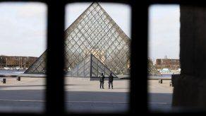 El agresor del Louvre está siendo operado y su pronóstico es reservado