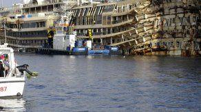 Italia: Recuerdan hundimiento de crucero