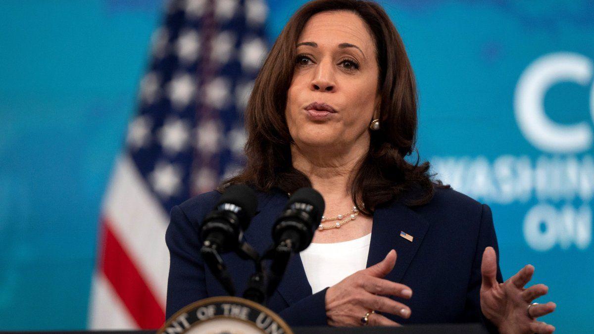 Kamala Harris es la funcionaria de mayor rango que se ha pronunciado sobre este asunto desde el Gobierno de EE.UU., cuyos lazos con el Ejecutivo del presidente de El Salvador, Nayib Bukele no pasan por su mejor momento.