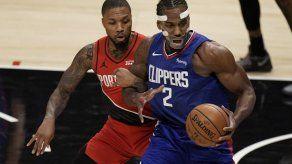 Leonard regresa tras 2 juegos y Clippers vencen a Blazers