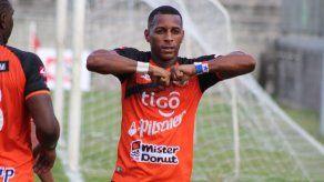 Nicolas Yuyu Muñoz se convirtió en el máximo goleador histórico del fútbol salvadoreño