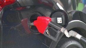 Los conductores verán reflejado el nuevo precio del combustible desde este viernes.