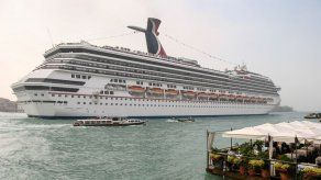 Carnival cancela cruceros de 2020 en EEUU