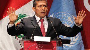 Humala anuncia construcción de 1.500 kilómetros de carreteras en el Cuzco