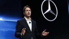 Daimler reduce pronóstico de ganancias por segunda vez