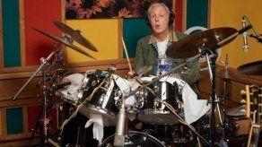 McCartney refleja su vida en un libro con 154 letras de canciones