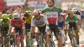 Vuelta: Viviani gana otra etapa y Yates sigue líder general