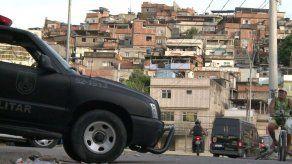 Policía ingresa en gran barrio pobre en Brasil