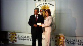 Blandón recibe las llaves del Palacio Municipal
