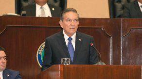 """Presidente Cortizo afirma que recibió el país hecho un """"desastre"""" y que trabaja en poner orden"""