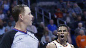 Westbrook y Anthony ayudan en triunfo del Thunder