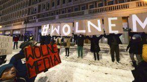 Partido polaco se opone a nuevo impuesto a los medios