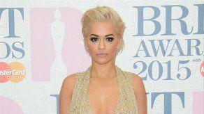 Rita Ora regala su casa de Londres a sus padres