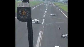 Ocupan pista en Ecuador para impedir aterrizar a un avión de Iberia
