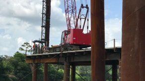 Presidente de Costa Rica inspecciona primeros avances del puente binacional con Panamá
