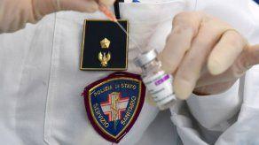 EMA afirma que vacuna AstraZeneca puede usarse mientras se investigan posibles trombosis