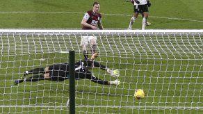 Fulham empata en Burnley