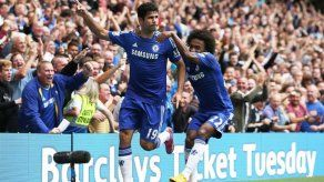 Chelsea sigue líder en solitario