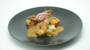 Guiso de camarones y arroz con aroma de coco - Carlos Lucas