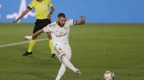 Otro penal a favor del Real Madrid y otro paso al título