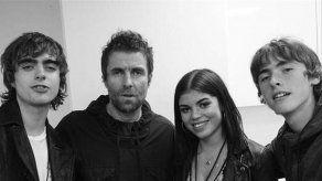 Liam Gallagher le dedica una canción a su hija Molly tras conocerla el año pasado