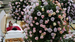 Fans dan último adiós a Aretha Franklin en velorio público