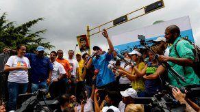 Capriles confirma manifestarán el miércoles en todo el país por revocatorio