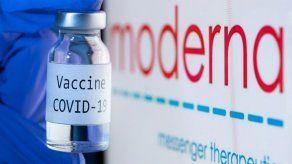 La vacuna de Moderna genera al menos tres meses de inmunidad