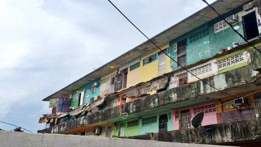 Se trata del balcón del edificio Capira, ubicado en el sector de San Miguel, en Calidonia.