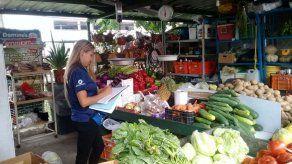 Multan a vendedores en los mercados de San Felipe de Neri y Río Abajo por incumplir con precios