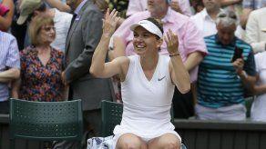 Halep vence a Serena Williams en final de Wimbledon