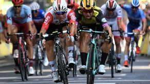 Ewan gana la undécima etapa del Tour con un esprint de foto finish