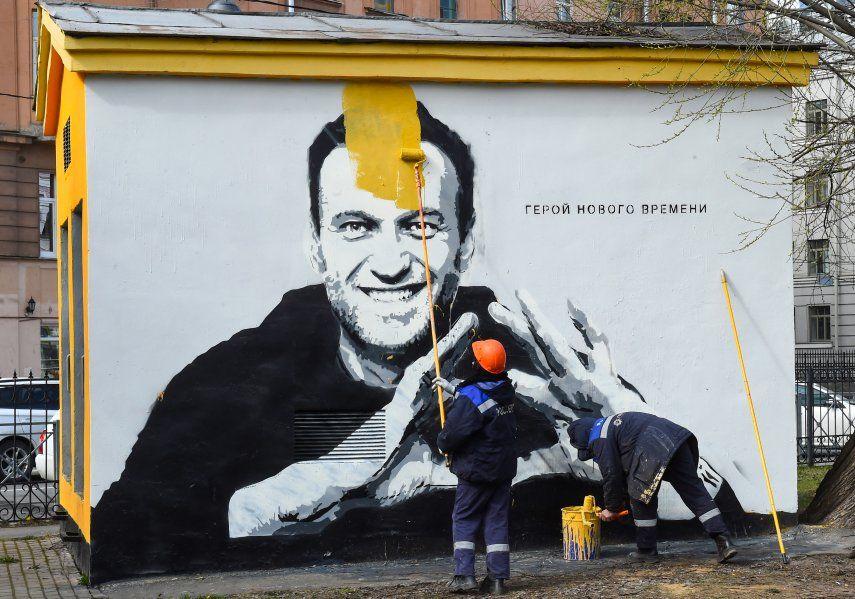 La oposición mantiene que con el envenenamiento de Alexéi Navalni con el agente químico Novichok en agosto de 2020 el Kremlin dio inicio a una campaña de persecución judicial y purga política de cara a los comicios.