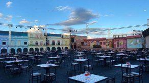 La música cubana desafía a cielo abierto en Miami el cierre de un año aciago