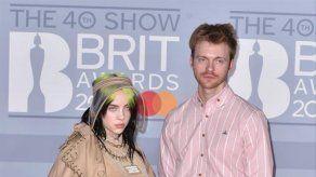 Billie Eilish empezó a dudar de su talento tras ganar 10 premios Grammy