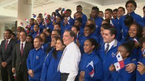 Entregan Pabellón Nacional a atletas panameños rumbo a los Juegos Panamericanos de Lima