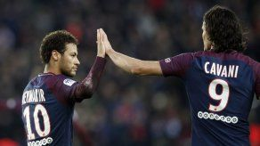 Cavani se convierte en goleador histórico de PSG