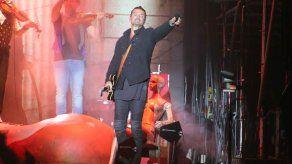Arjona suspende su gira debido a embargo y demanda a empresario dominicano