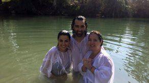 Maite Perroni y Adamari López conmovidas por los lugares santos